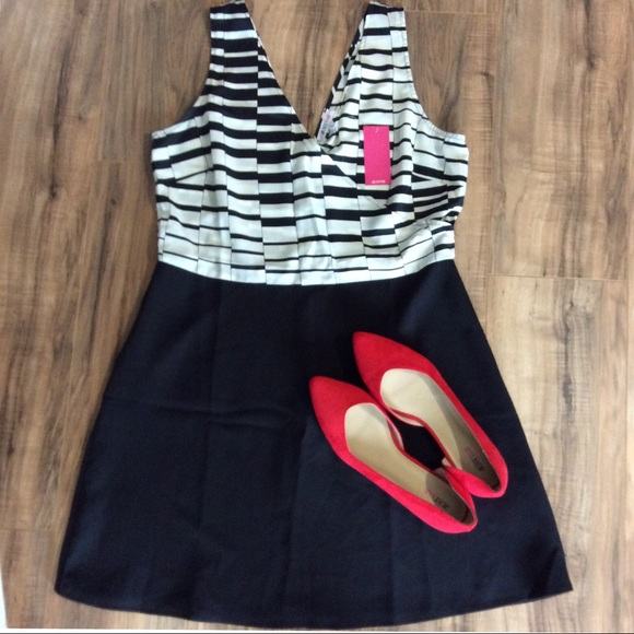 JustFab Dresses & Skirts - 2/$30 NWT Super cute dress with a V neck size XL